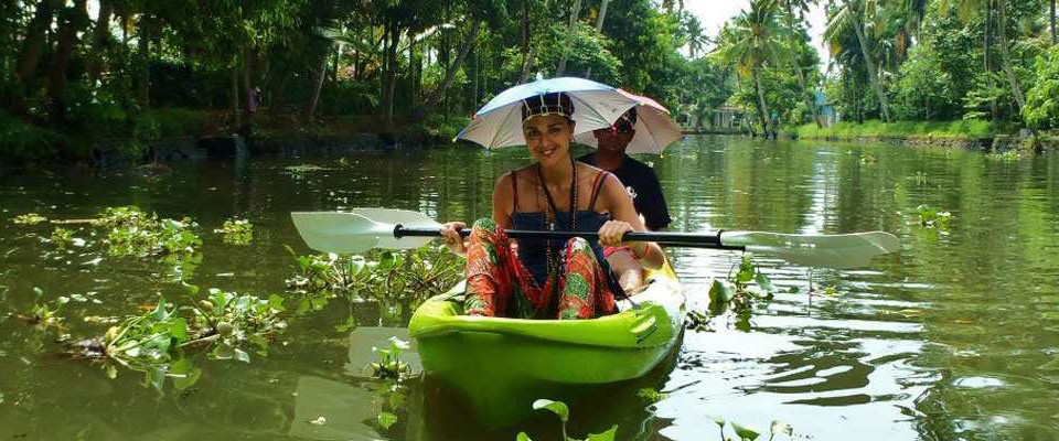 alleppey-kayaking